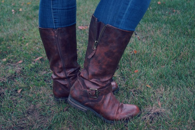 Naturalizer Tall Boot Close Up